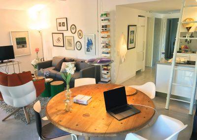 Wohnzimmer & Küchen